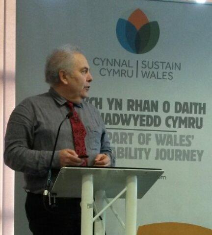 .@ProfPhilJones of @LCRI on the future built environment for a zero carbon world @CynnalCymru #SWS16 https://t.co/I6i6TwoYJk
