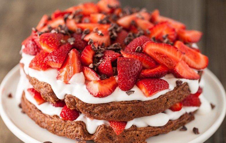 Ricetta Festa della Mamma: Torta di panna e fragole