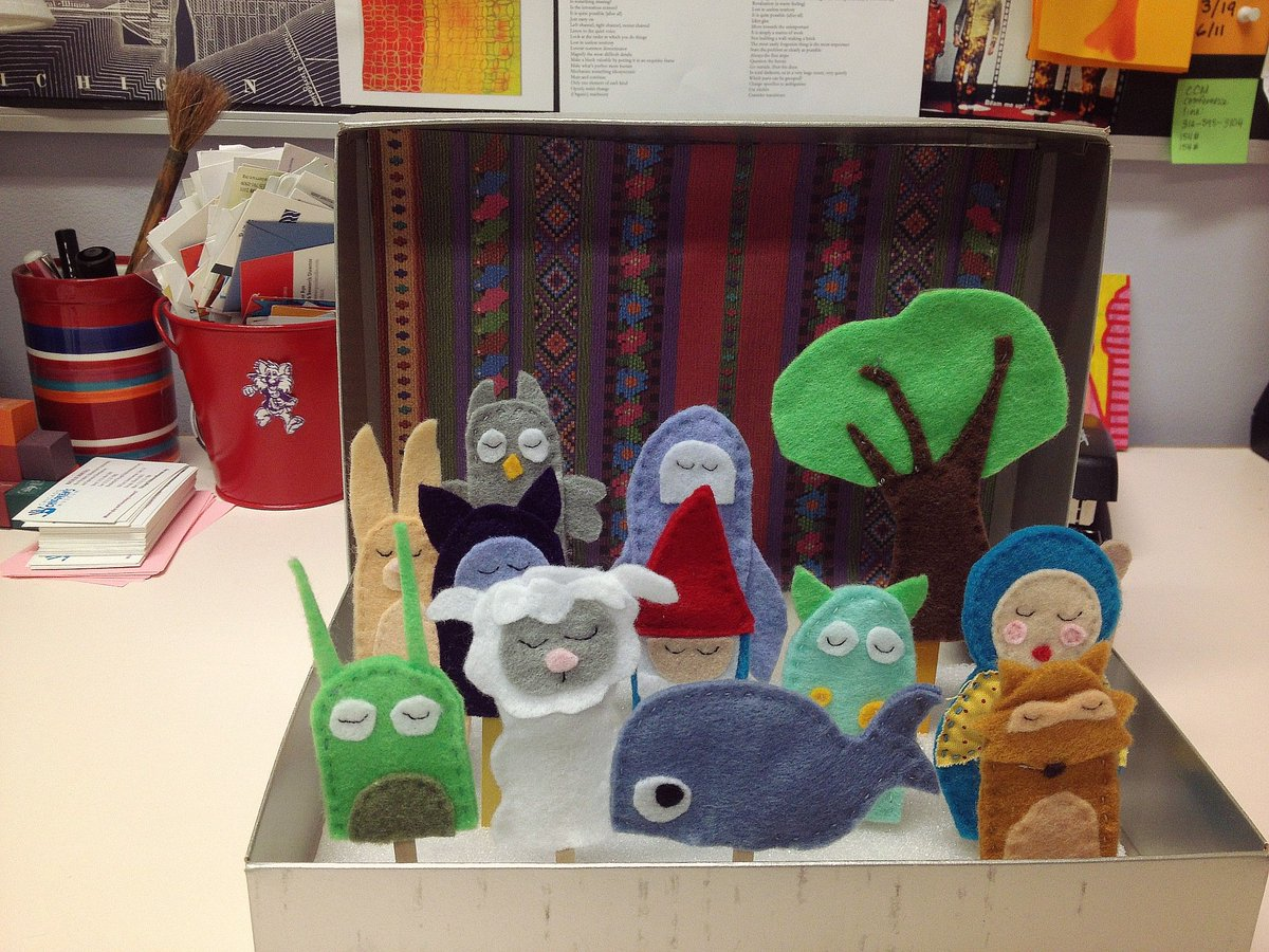 Yes, I share an office with finger puppets. @childrensmuseum #sewingprojects  #canufindwillie? https://t.co/l85zc57iiG