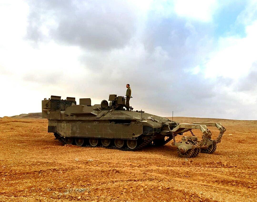 Israeli Ground Force - Page 2 CgkYtwdU4AAVKyv