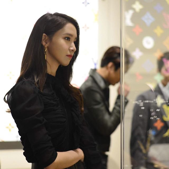 Yoona at the Volez, Voguez, Voyagez - #LouisVuitton Exhibition opening #LVTokyoExpo https://t.co/dV76mFeO9p