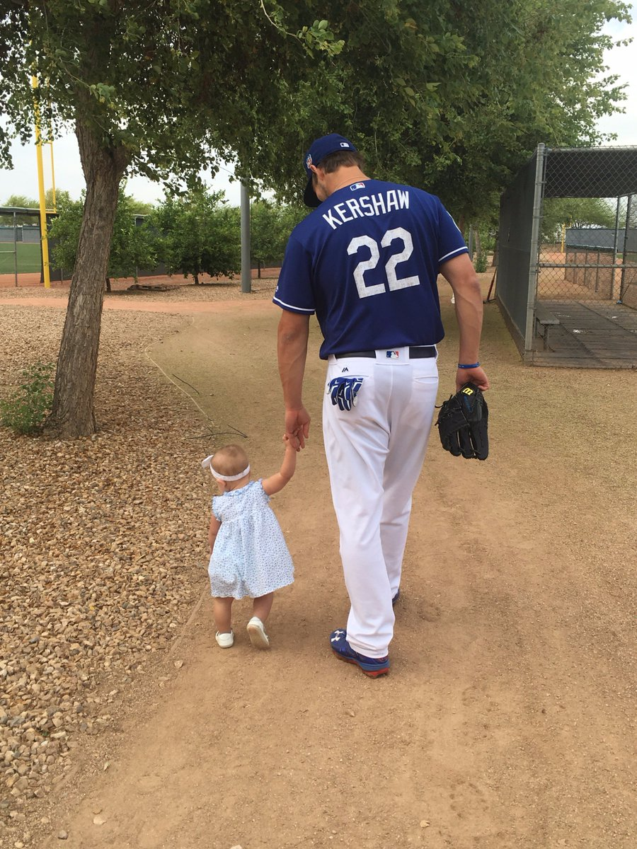 Nothing like a little pre-game pep talk with this #1 Dodgers' fan. https://t.co/I9cK9Wp9lW