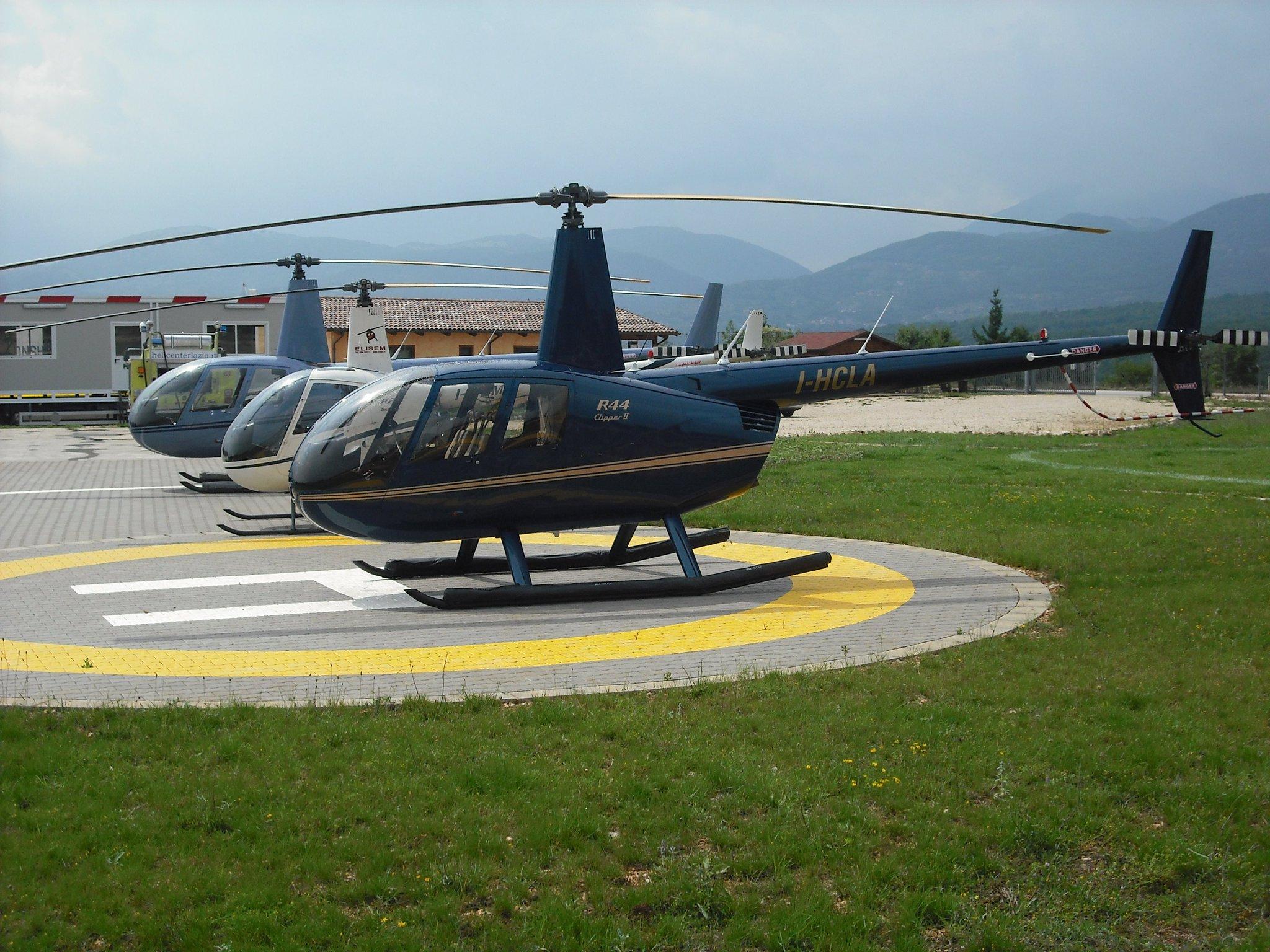 Elicottero R22 : Corso di introduzione all elicottero bergamo regali
