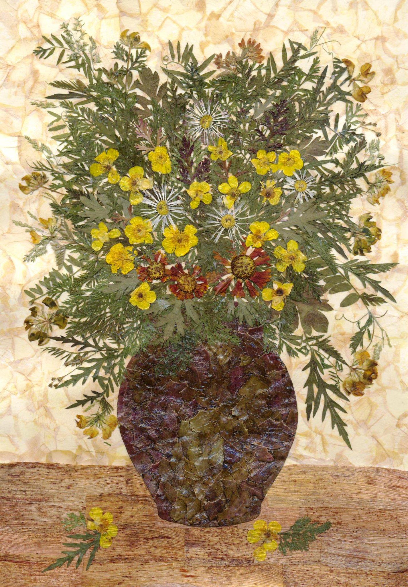 Композиции из сухих цветов и листьев, маки
