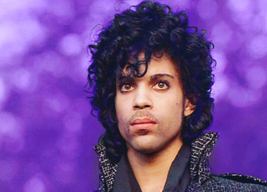 Amazing icon gone but never forgotten! #princeicon #romaniacs #greaticon #gonetoosoonbutneverforgotten https://t.co/7Y9aH5GBrp