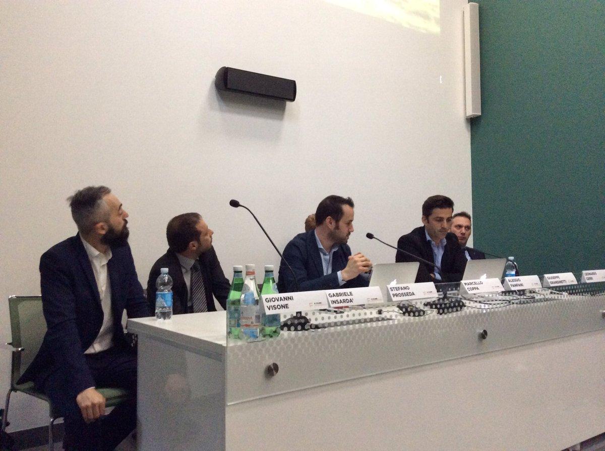 #XTextreme: inizia Giuseppe Grandinetti di @vibram con la storia del fondatore Bramani https://t.co/lZz4RvfMz5
