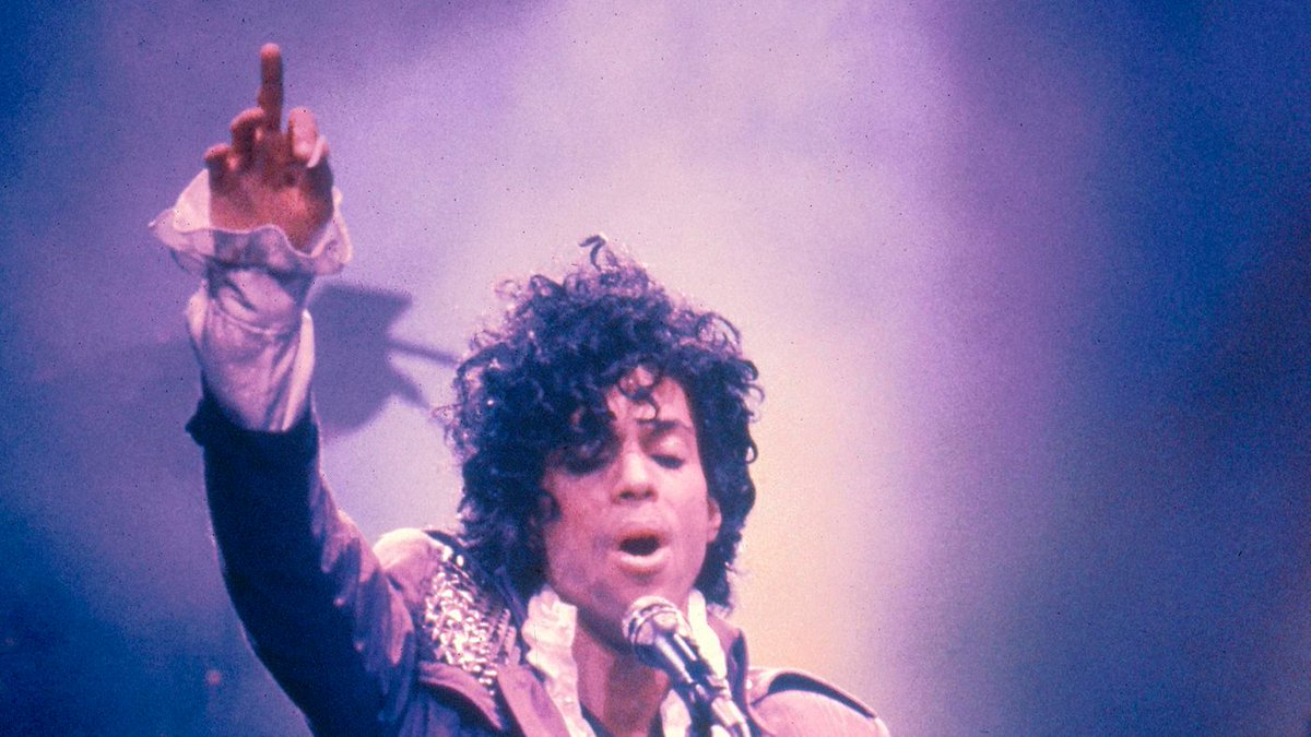Celebrities Mourn Prince After Shocking News Of His Death