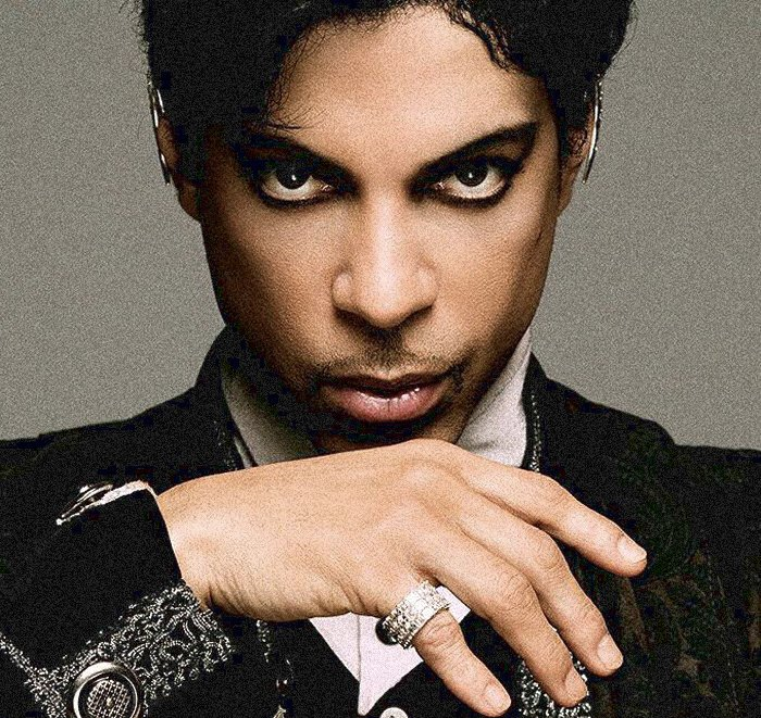 RIP Prince Rogers Nelson. You changed our world. Thank you. #RIPPrince https://t.co/7aO5QYeXCi