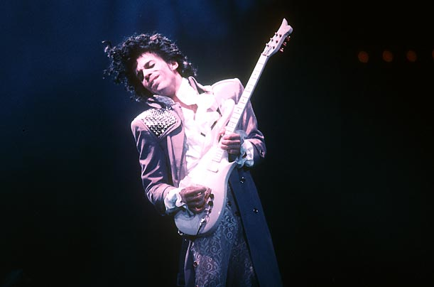Rest in peace buddy, Im so shocked along with everyone else. Prince will be in good company this year as we all know https://t.co/tcusrfKLPU