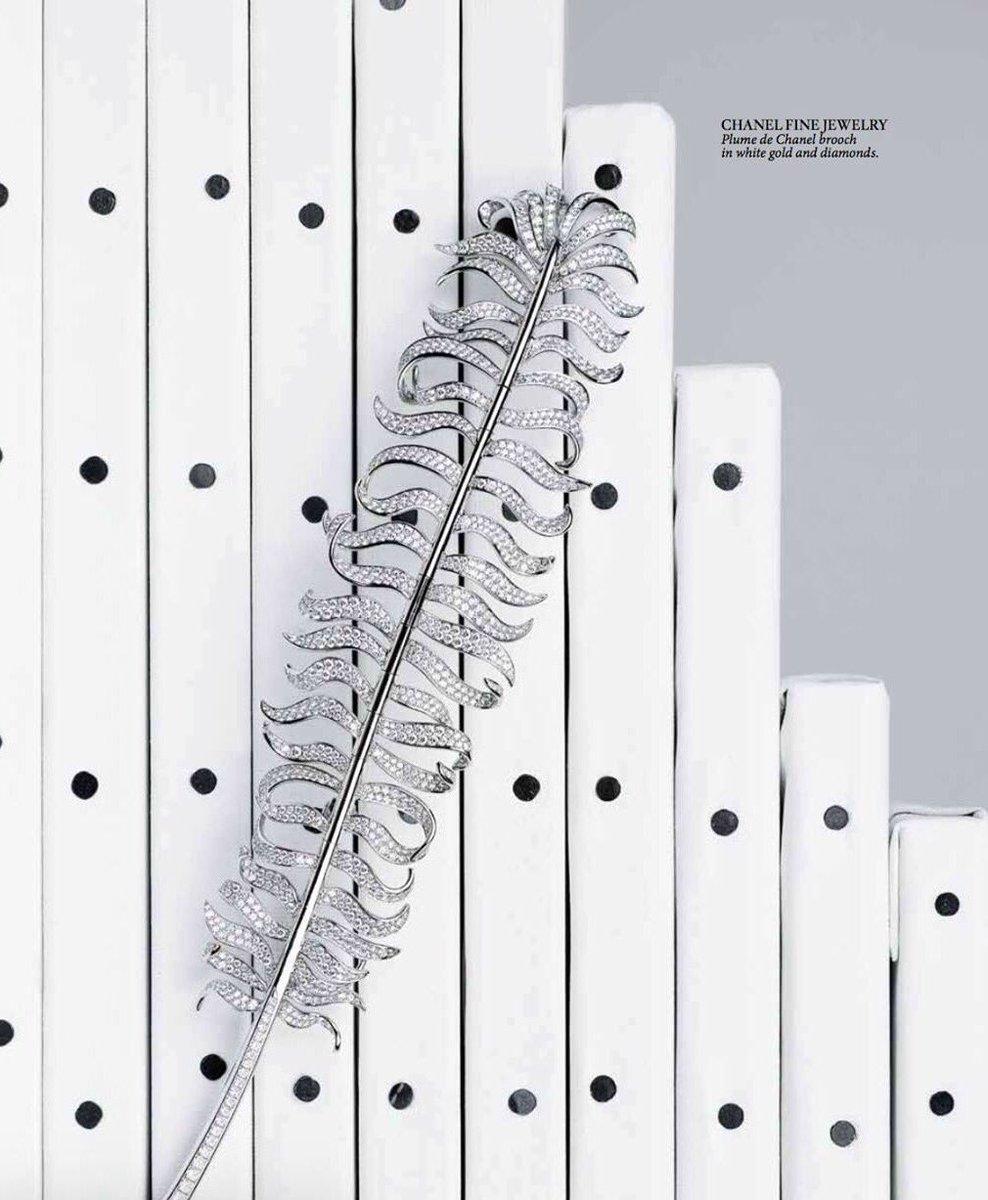#PlumedeChanel #brooch @CHANEL #Masterpieces for @HauteLivingMag  by #ALMAKARINAAGENCY