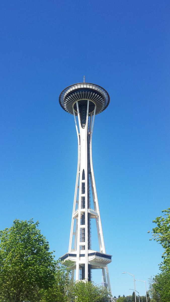 Happy 54th Birthday to the @space_needle! https://t.co/vqYCebNIHE