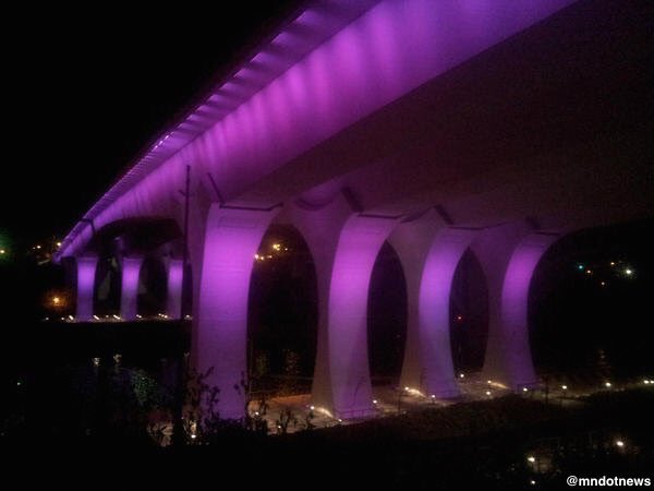 The I-35W Bridge in Minnesota will be lit in purple tonight in honor of Prince. https://t.co/FOJuBzL6o3 https://t.co/gqeOFcz5bg