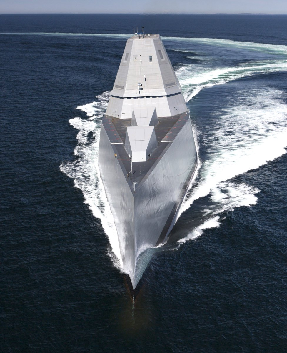 Zumwalt-class destroyer CgmghJ_WMAA1r27