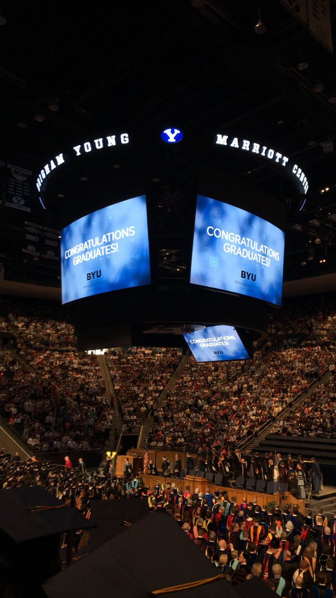 I graduated college 🎓 #byugrad https://t.co/5ewg32o8r5