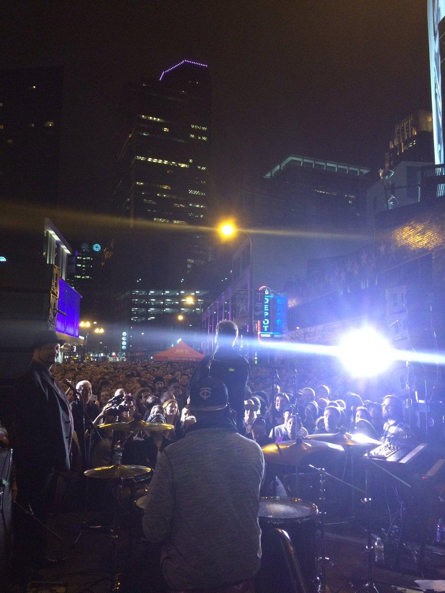 Mayor Coleman addresses the audience. #RIPPrince https://t.co/woxWgOfXuz