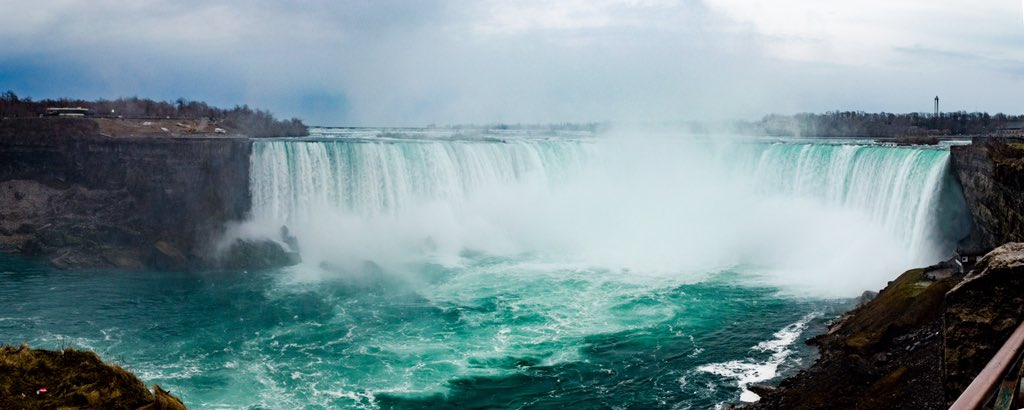 Great trip to the amazing #NiagaraFalls #canada today! https://t.co/iatYLRy0Pm
