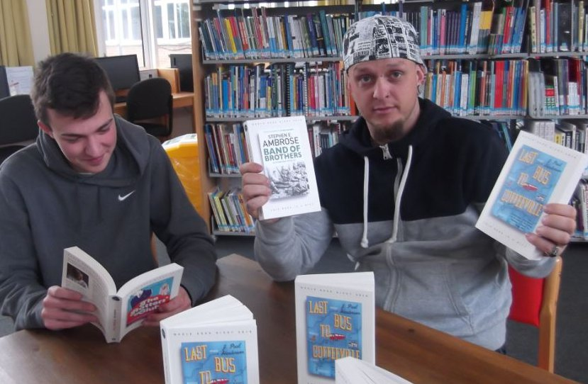 @WorldBookNight books available today! Sam Morris and Alex Savage @ColegSirGar Ammanford... making their selection! https://t.co/m3nrbuGVoQ