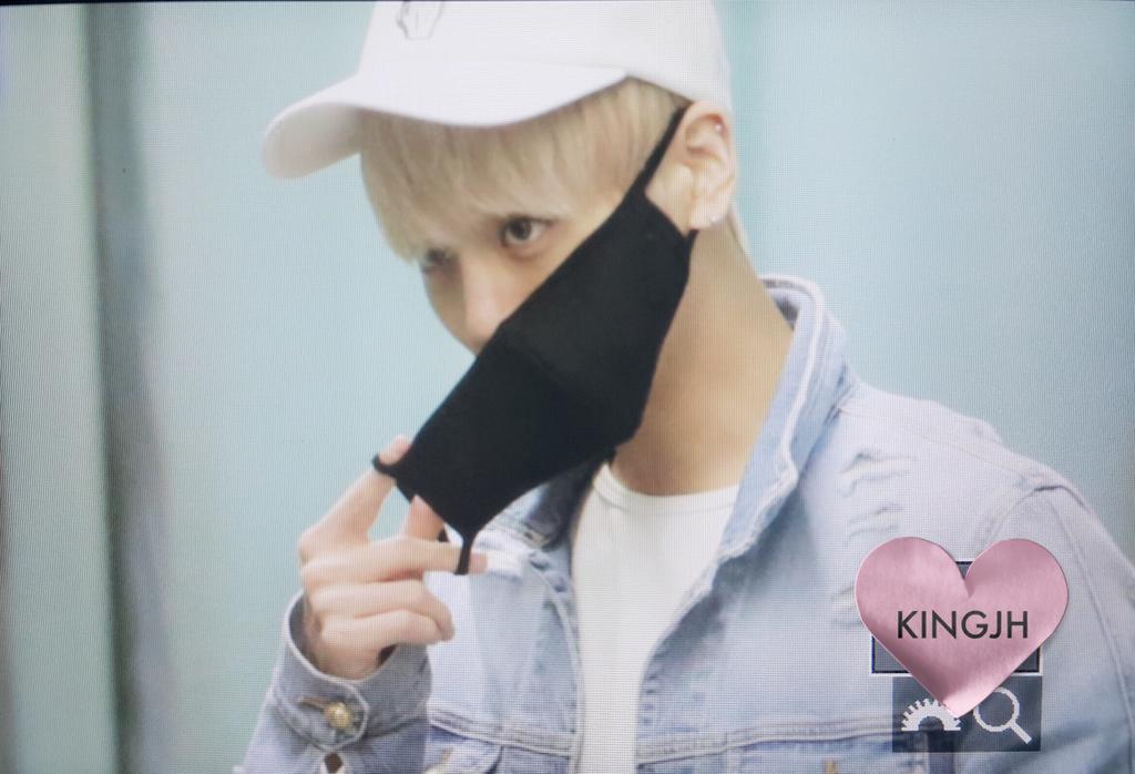160422 Jonghyun @ Aeropuerto Incheon {Rumbo a Japón} Cgo2_6TU4AAbQ18