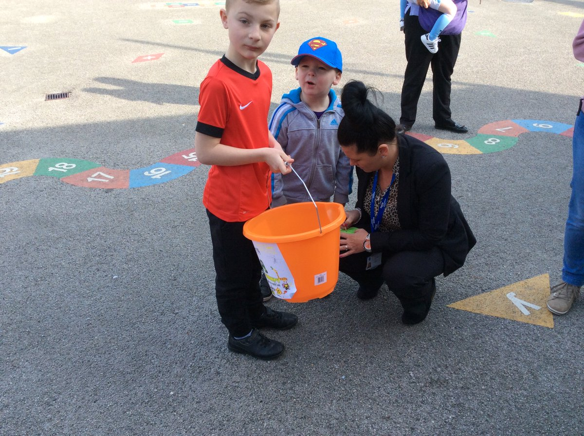 Sterling effort from Year 4 collecting in the playground for the RSPCA. Well done Year 4. Total to follow.