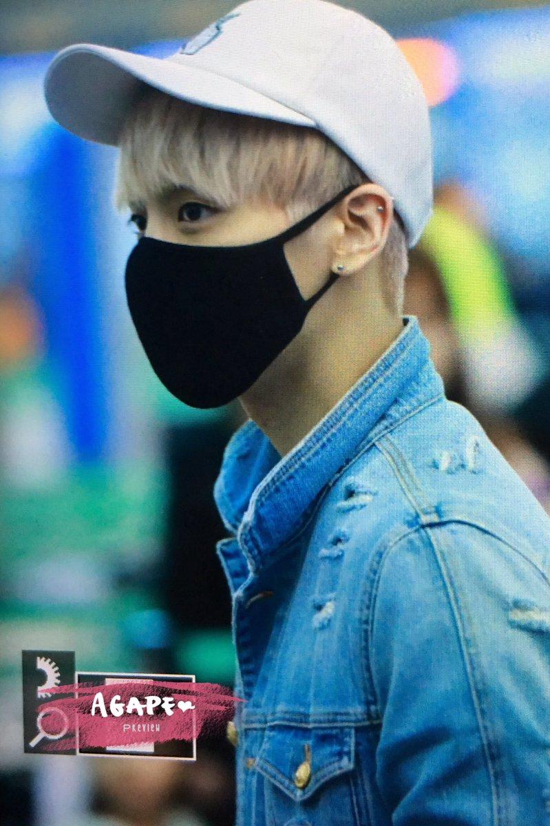 160422 Jonghyun @ Aeropuerto Incheon {Rumbo a Japón} Cgoqf8jUkAEeF0N