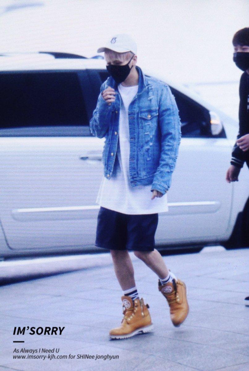 160422 Jonghyun @ Aeropuerto Incheon {Rumbo a Japón} CgotgcJVEAIBx8y