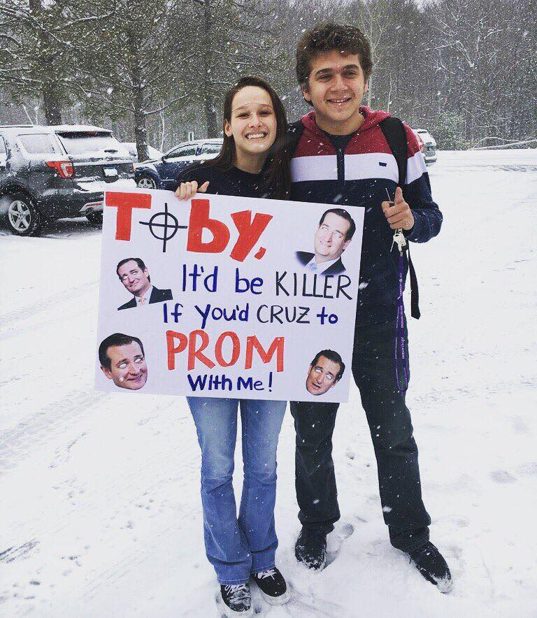 "at least two teens have made ""ted cruz as zodiac killer""-themed promposals https://t.co/HPWKP3Ygbz https://t.co/dPS5L9L0dA"