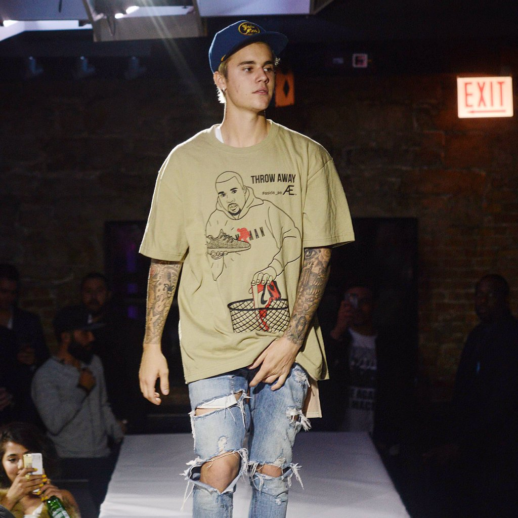 Is it too late now to say sorry for not warning you about @JustinBieber? See him crashing our fashion show lastnight https://t.co/PawVgpsBz6