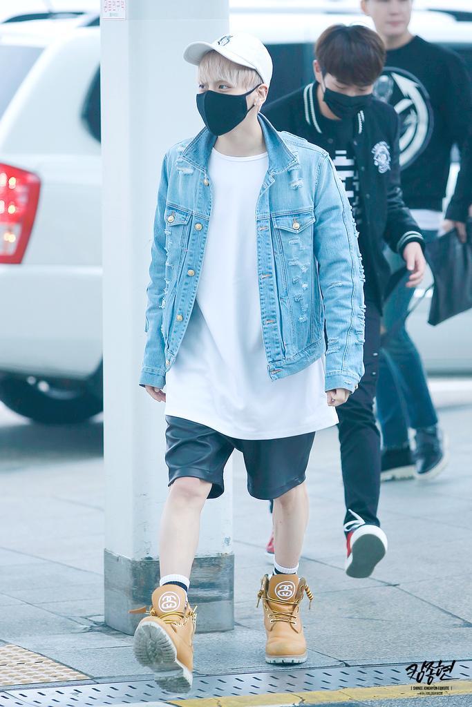 160422 Jonghyun @ Aeropuerto Incheon {Rumbo a Japón} CgpJXuFVEAAGXs3