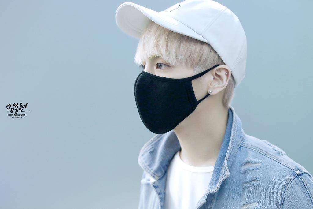 160422 Jonghyun @ Aeropuerto Incheon {Rumbo a Japón} CgpMNzNU8AA2b9S