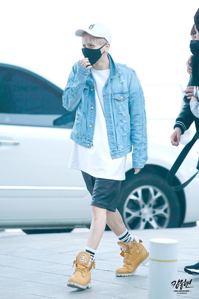 160422 Jonghyun @ Aeropuerto Incheon {Rumbo a Japón} CgpO2nGUcAA-GLw