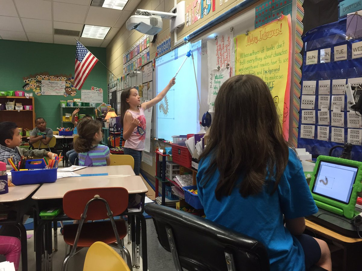 MV & MH taught our class how to use the @BookCreatorApp! #2ndgrade #bpes https://t.co/9haugbRCuV
