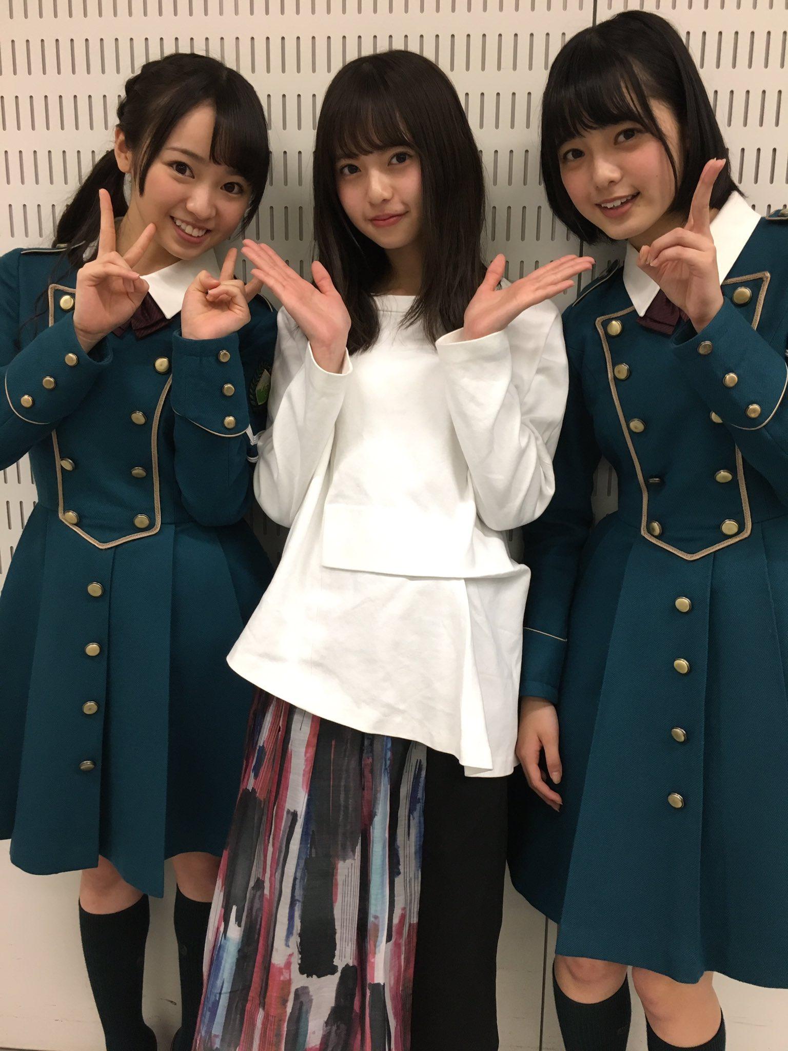 初Mステを終えた欅坂46のお2人と写真を撮りました。 サイレントマジョリティーのダンスとっても好き!まわった時に広がるスカートも好き! あ、乃木坂46 ハルジオンが咲く頃 発売中です(^O^)
