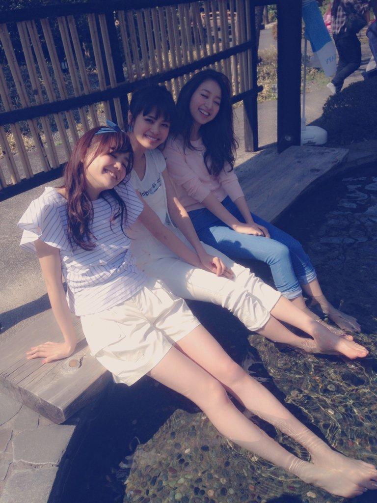 松井愛莉美脚三姉妹