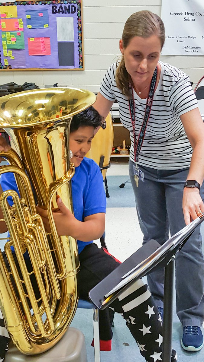 Selma Middle receives $25,000 @HollandsOpusFdn grant for musical instruments @SMS_Vikings https://t.co/82puLv0fy8 https://t.co/bxtz1Zjq4w
