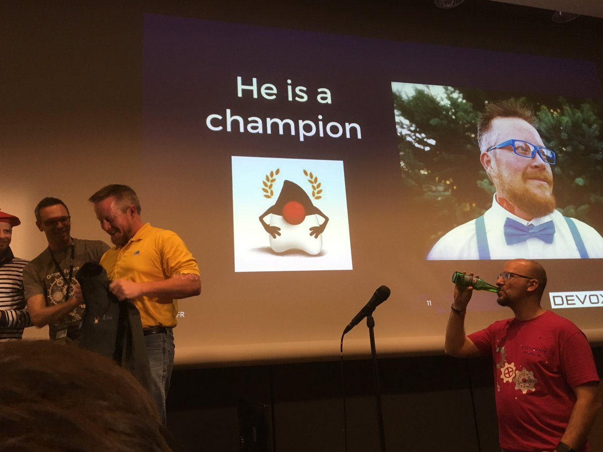 Never expected to become a #Java Champion at #DevoxxFR. Thanks to all who made it happen! https://t.co/JrKD19sQpU