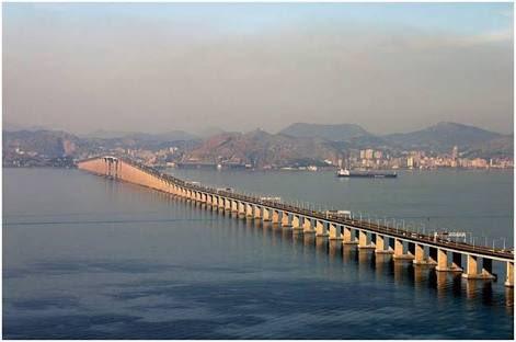 Ponte Rio-Niterói. Um país capaz de construir esta ponte há + de 40 anos, hoje não consegue construir uma ciclovia? https://t.co/xEHQihJORq