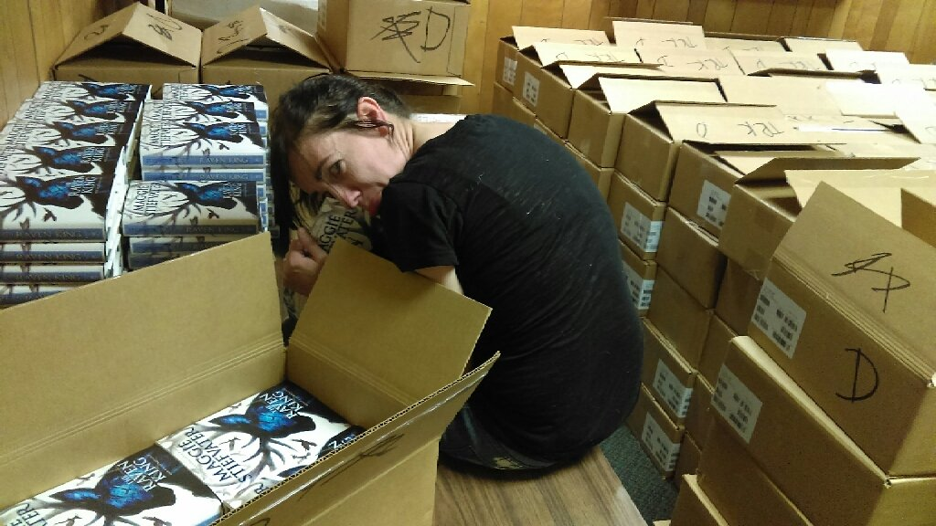 Heading into hour 9, @mstiefvater is now doodling in the fetal position. https://t.co/0ZJBjrpyJY