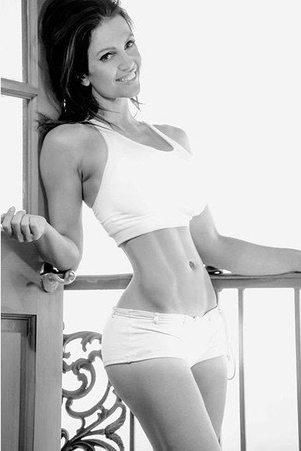 Denise Milani Workout Denise Milani on Twitt...