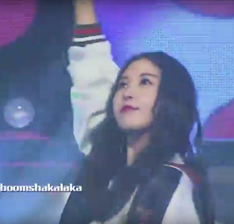 [VIDEO+PICS]Raina singing in Fantastic Baby CgrzX3XUgAACc-6