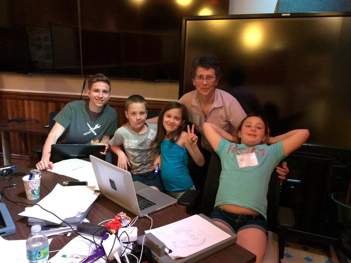Team #AllYrSpace is all over the @SpaceAppsKSC  #SpaceRoute66 challenge at #SpaceAppsTampa @HackTampa @sofwerx https://t.co/OUqSqNldqO