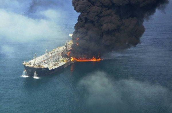Российский танкер горит в Каспийском море - Цензор.НЕТ 1516