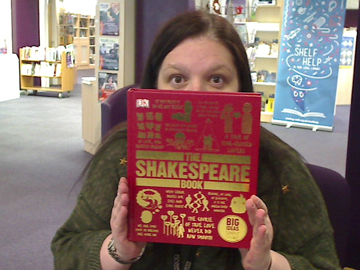 A kingdom for Emma?  #selfiewithshakespeare  #cannocklibrary #Shakespeare16 @StaffordshireCC @StaffsLibraries https://t.co/4BdyKbOoA6