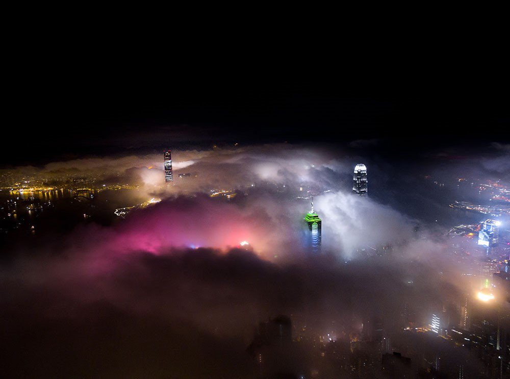 Striking Aerial Photos of Hong Kong Shrouded in Fog by Andy Yeung. The Everything Company - https://t.co/6jPyxySJHZ https://t.co/RxzCnItj37