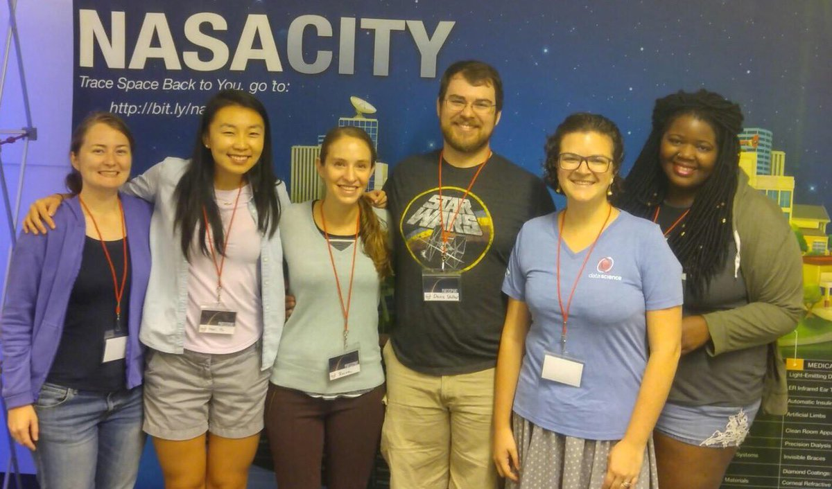 #UF #astro grad students are ready to go at @SpaceAppsORL! Anyone else here from #gatornation? https://t.co/vIKcdw0tQk