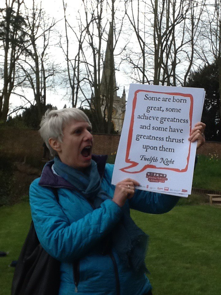 Val @tamerandhawk practices her #Shakespeare16 lines at Stratford upon Avon https://t.co/WcwhJ9njIo