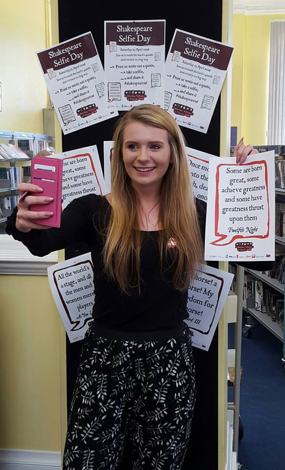 Shakespeare selfies at Charminster Library, celebrating plays, poems and quotes from the Bard #shakespeare16 @UKSCL https://t.co/1CHPFPcXzd