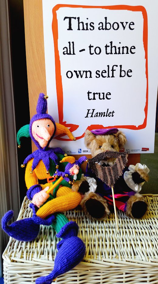"""""""Better a witty fool than a foolish wit.""""  #Shakespeare16 #ShakespeareSelfie #libraries #librarylife https://t.co/71PaONBkkL"""