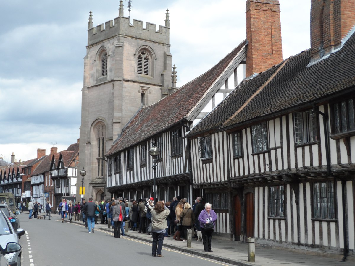Queues to see @KES_Guildhall #shakespeare400 #shakespeare16 #shakespearelives https://t.co/o6aRrjUg4r