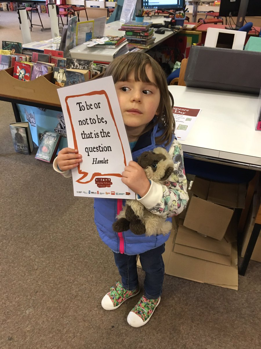 @WiltsLibraries Hattie loves the Shakespeare for young readers at Salisbury! #shakespeare16 https://t.co/Pa5Vpq5xkl