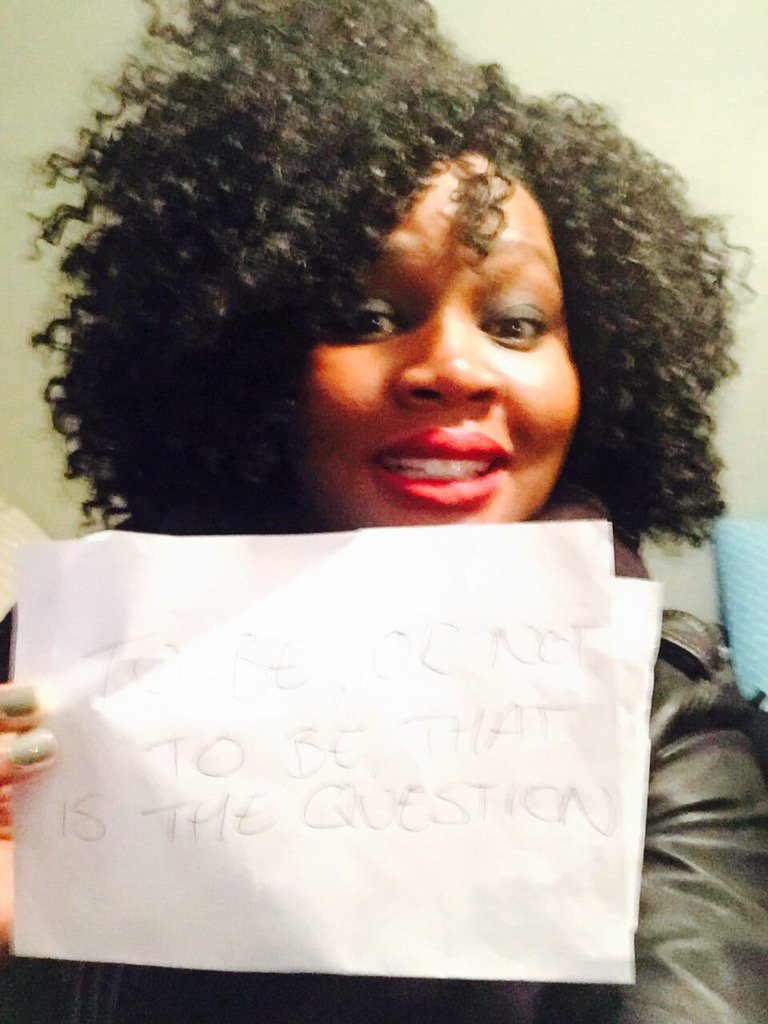 """Brill teacher Wabriya with her #shakespeare16 """"to be or not to be that is the question"""" #hamlet #Shakespeare400 https://t.co/U4NFzqsdZX"""